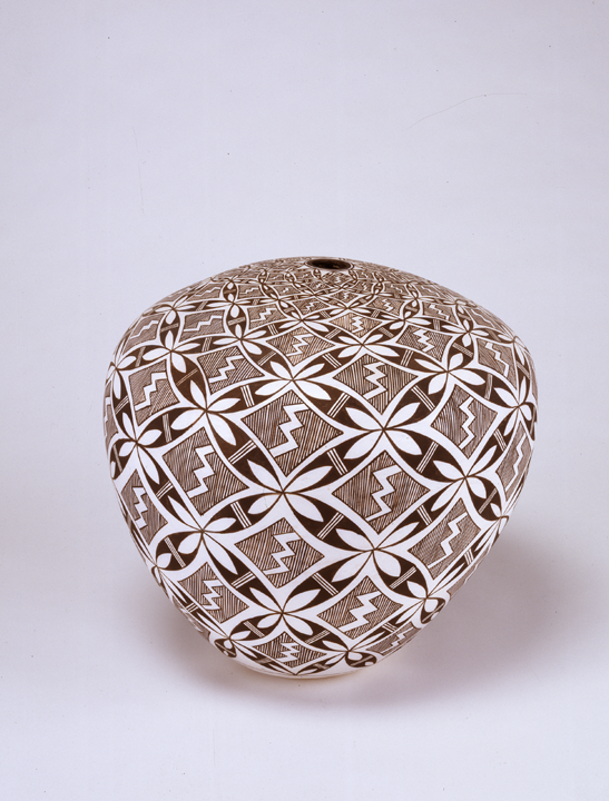 Marie Zieu Chino,  Seed Jar, 1982; Clay, 12 x 13 in.; NMWA, Gift of Wallace and Wilhelmina Holladay