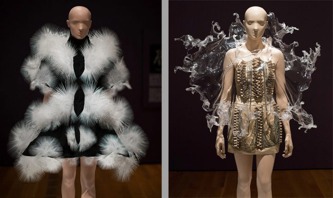 2015-11-13-16_42_38-Iris-van-Herpen's-astonishing-designs-don't-look-like-'clothes