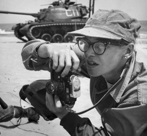 2015-12-04-14_20_16-The-brilliant-photos-of-the-first-American-female-war-photographer-killed-in-act