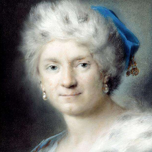 Painted portrait of a woman with a light skin tone, short grey hair and blue eyes. She wears a blue hat with golden tassels, pearl earrings and a fur stole. Visible brushstrokes blend her hair into the background, with the features of her face more sharply defined.