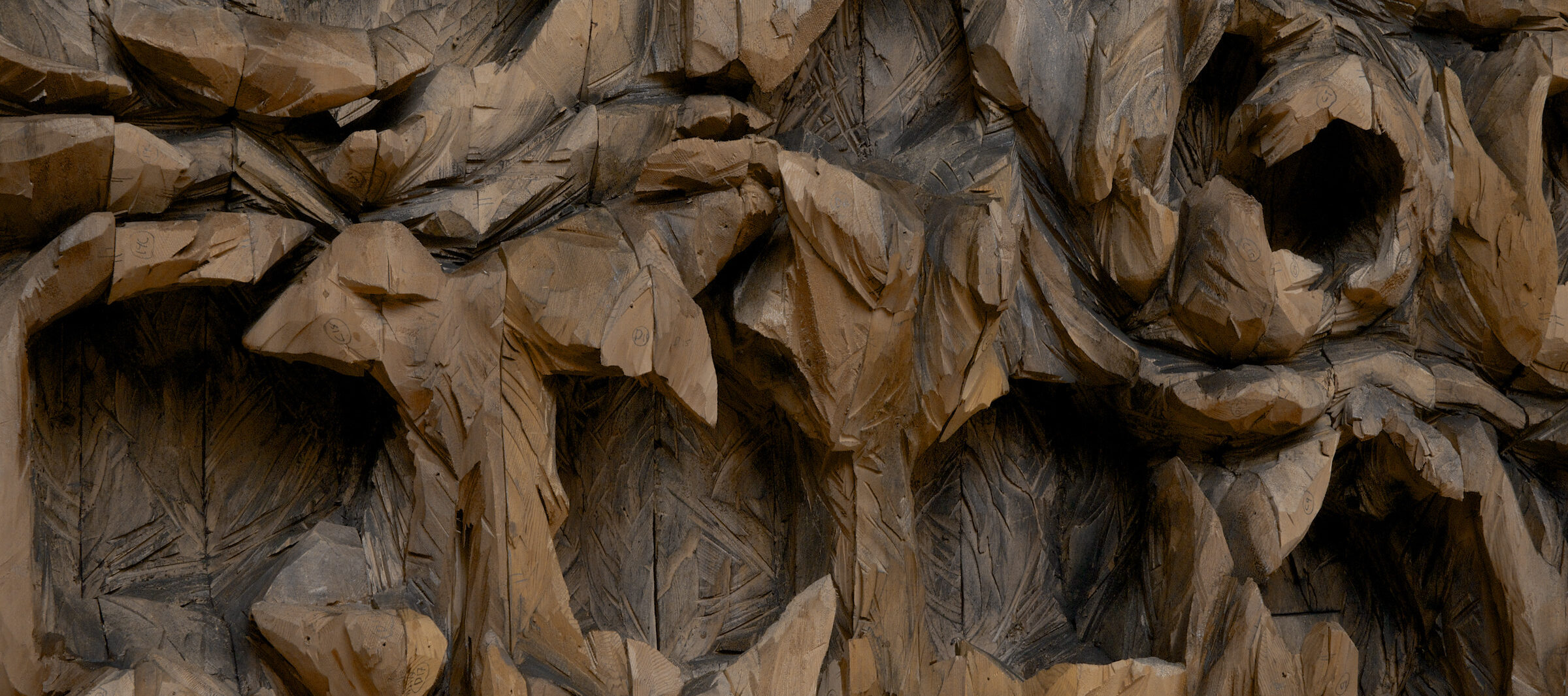 Ursula von Rydingsvard, <i>thread terror</i> (detail), 2016; Cedar and graphite, 8 ft. 10 in. x 8 ft. 5 in. x 1 ft. 1 in.; © Ursula von Rydingsvard, Courtesy of Galerie Lelong & Co.; Photo by Jerry L. Thompson